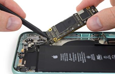 iPhone 11 teardown detail