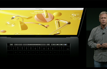 Phil Schiller met MacBook Pro