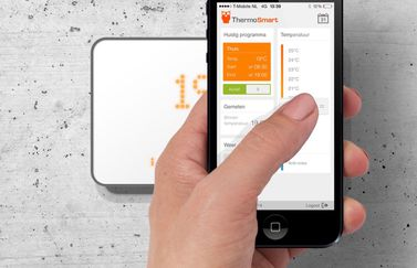 ThermoSmart met iPhone-app.
