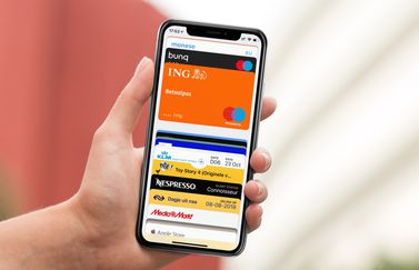 Wallet-app met Apple Pay en klantenkaarten.