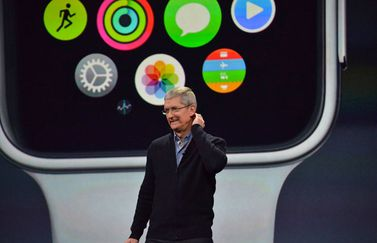 Tim Cook met Apple Watch