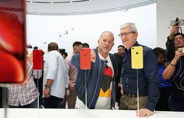 Jony Ive en Tim Cook