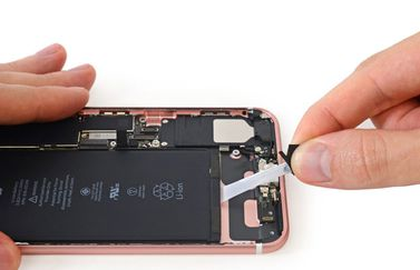 iPhone 7 teardown door iFixit: de batterij