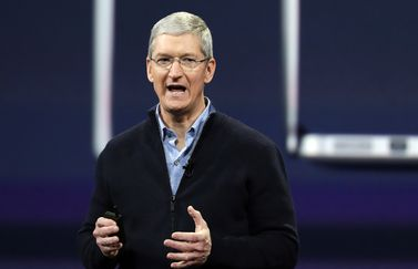 Tim Cook op podium
