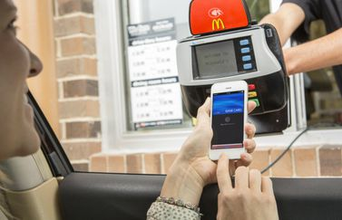 mcdonalds-apple-pay-iphone-nfc