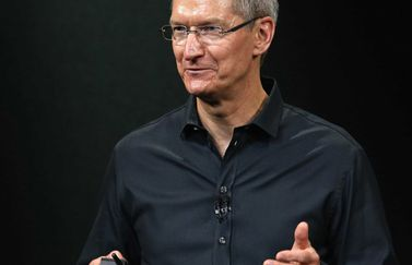 tim-cook-zwart-shirt