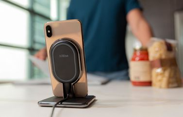 Achterkant van Twelve South HiRise Wireless.