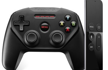 Apple TV Remote met gamecontroler Steelsseries.