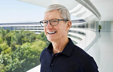 Tim Cook op Apple Park