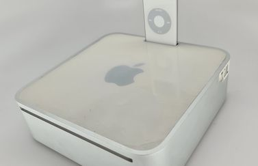 Mac mini prototype met iPod dock.