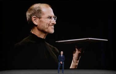 Steve Jobs met MacBook en Tim Cook