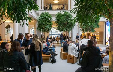 Today at Apple-sessie in het nieuwe Forum in de Apple Store Amsterdam.