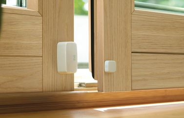 Elgato Eve Door & Window bekijkt of je deur of raam open of dicht is.