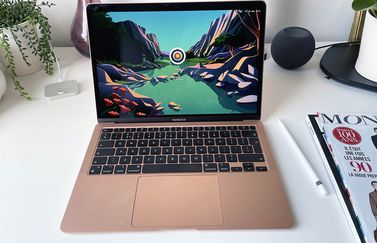 MacBook Air M1 review: op het bureau